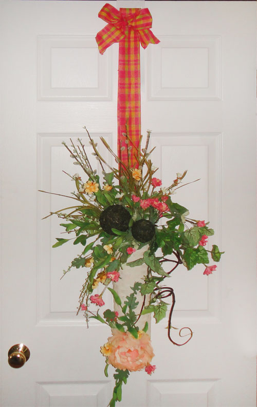 Hanging A Wall Pocket On Your Door Wreath Hanging